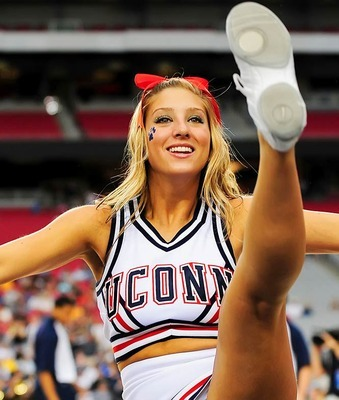 uconn-cheerleader-kristen01